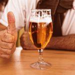 अष्ट्रेलियामा बियरको मूल्य घटाउन सहयोग गर्न सरकारसंग व्यवसायीको माग